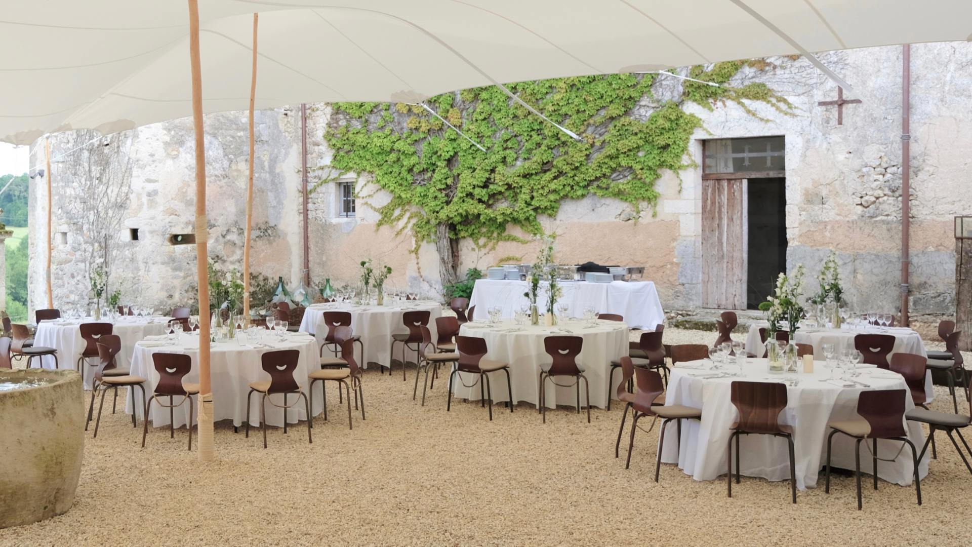 Wedding bliss with a french kiss at Château de Lerse