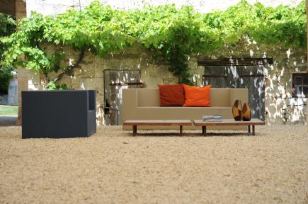 the sofa's on the courtyard